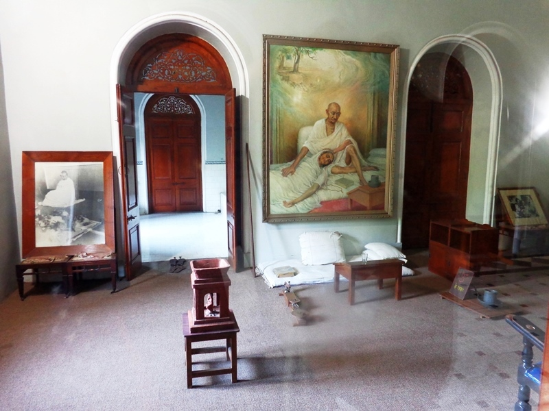Pune City Tour The Ghandi Internment Room! #ghandimemorial #TravelTuesday