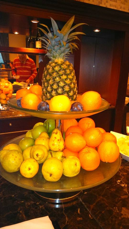 Fruit Platters for Free, anytime. Using the Travel App has its perks #traveltips #Dreamtrips #travelapp