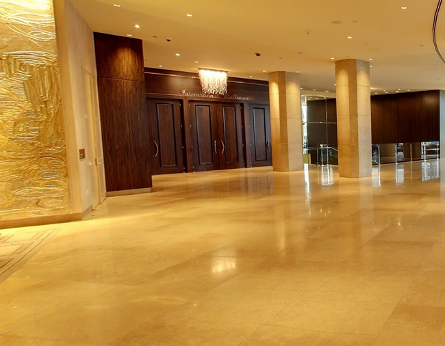 The Beverly Hilton Hotel Lobby Area, Very classy! #losangeles #traveltuesday