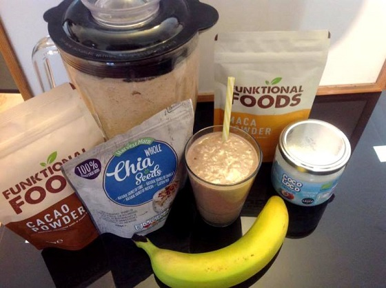 Ultimate Chocolate smoothie – A healthy beach Snack! By Pauli Kalungi