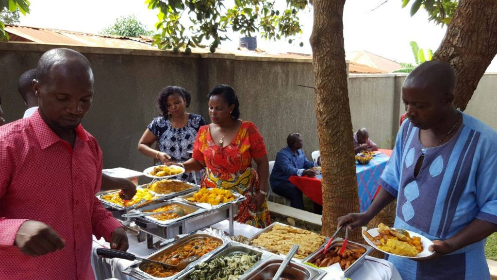 eat like a local in kampala_family meal